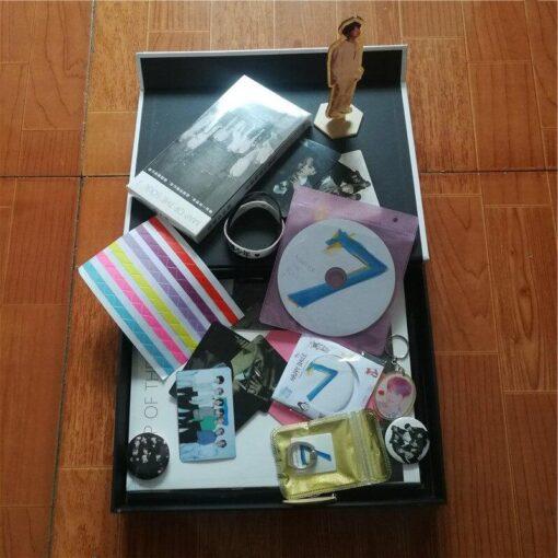 coffret Fans BTS Deluxe-album-map-of-the-soul 2